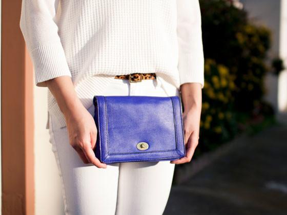 #target waffle sweater, facet necklace & leopard belt | #jcrew white jeans & Tillary cobalt crossbody | #colehaan kitten pumps