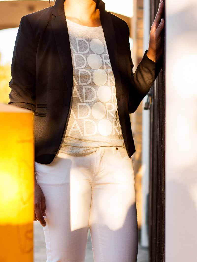 Black blazer   graphic tee   white denim jeans   heels   www.shoppingmycloset.com     @hm #hm @oldnavy #oldnavy @jcrew #jcrew @solesociety #solesociety