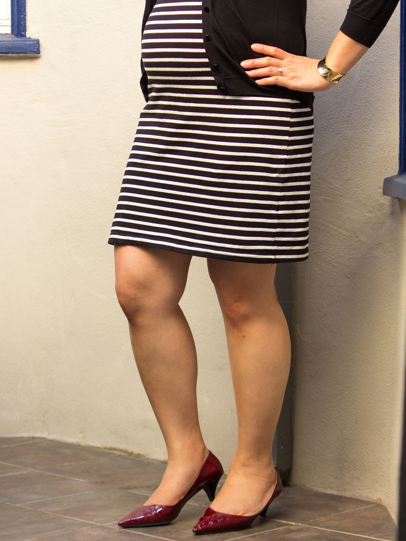 Striped black & white dress | black cardigan | gold cuff bracelet | red heels | www.shoppingmycloset.com     @oldnavy #oldnavy @jcrew #jcrew @expresslife #express @ninewest #ninewest