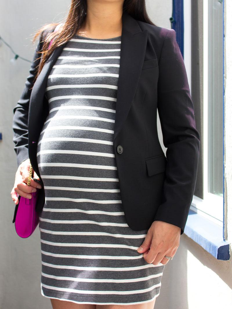 Striped grey maternity dress | black blazer | pink crossbody purse | www.shoppingmycloset.com     @oldnavy #oldnavy @theory #theory @hm #hm