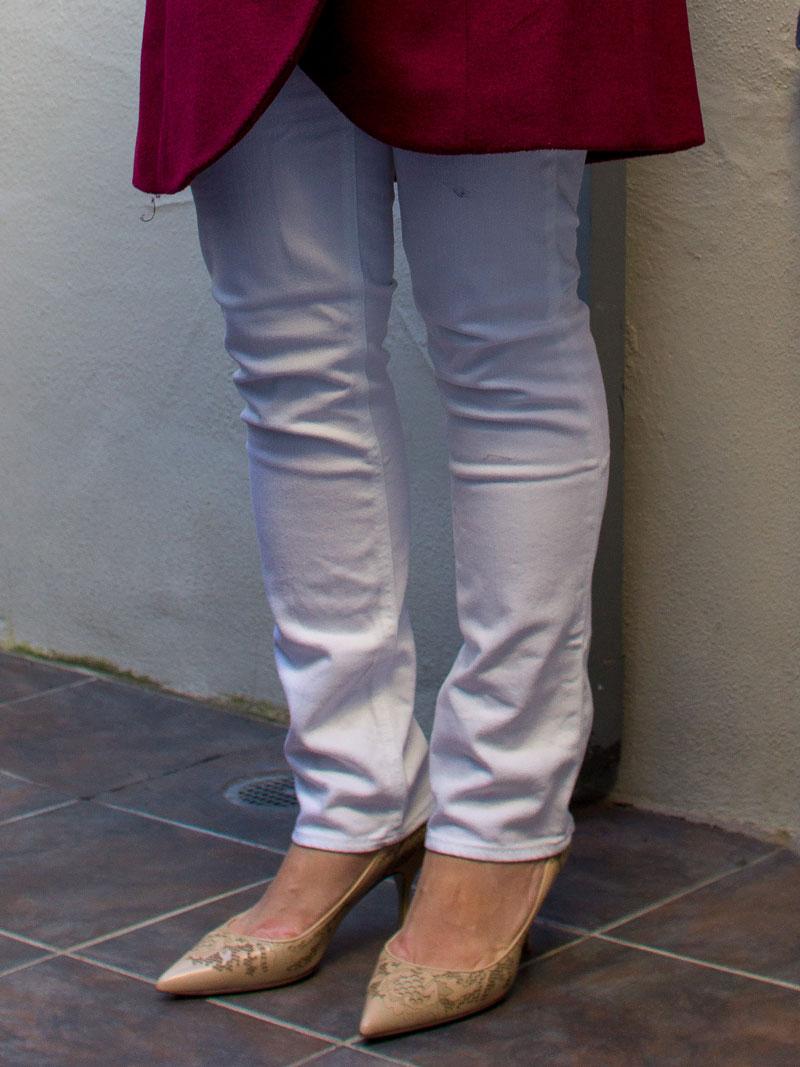 Red wrap coat | white top | white crop pants | nude pump | www.shoppngmycloset.com    @elietahari #elietahari @alexander-wang #alexanderwang @anntaylor #anntaylor @valentino #valentino