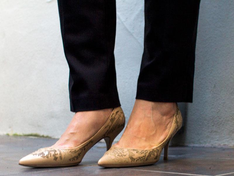 Sleeveless trench | grey open cardigan | blue striped tee | black pants | nude heels | www.shoppingmycloset.com      @vincesays #vincesays @anntaylor #anntaylor @alexander-wang #alexanderwang @loft #loft @valentino #valentino