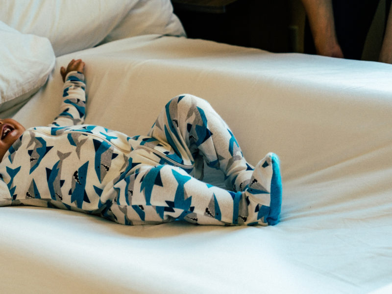 Baby sleep gear when traveling   read more and win yours on www.shoppingmycloset.com