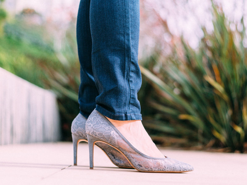 Hooded asymmetrical coat   grey crop mockneck sweater   white tunic   skinny jeans   grey lace heels   www.shoppingmycloset.com @andrewmarc #andrewmarc @topshop #topshop @ragandboneny #ragandbone @paige #paige @bananarepublic #bananarepublic