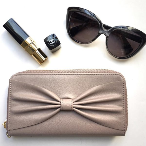 Blush pink phone wallet | sunglasses | lipstick power bank | www.shoppingmycloset.com
