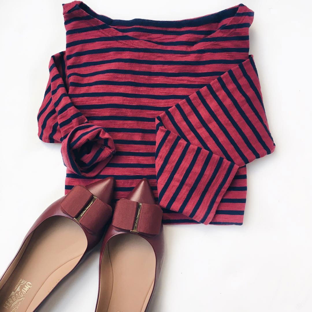 Red striped t-shirt | red bow flats | www.shoppingmycloset.com
